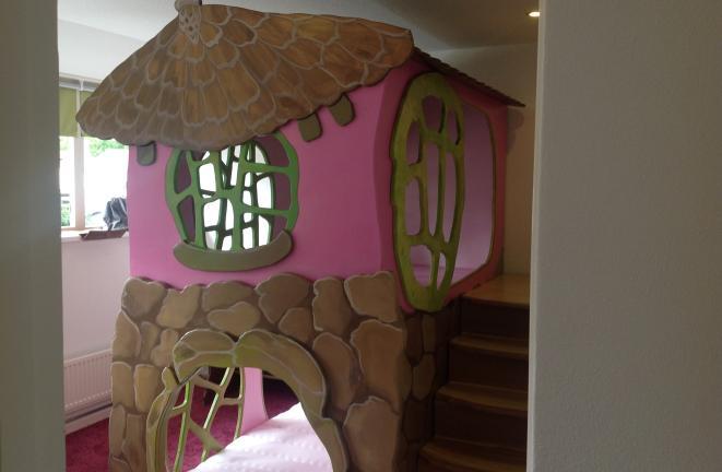 Allround deco themakamers boomhuisje meisjes thema kamer for Deco volwassen kamers